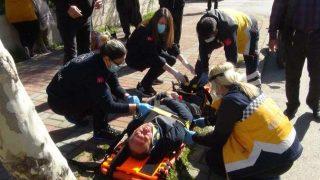 Manavgat'ta feci kaza! Patlayan cam yolcuyu yaraladı