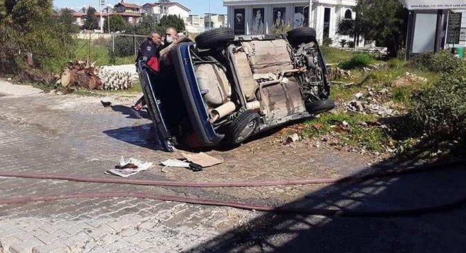 Antalya'da kazanın ardından otomobil alev alev yandı!