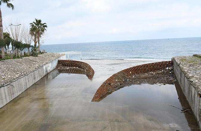 Atık Tutucu Sistemi Kemer denizini koruyor