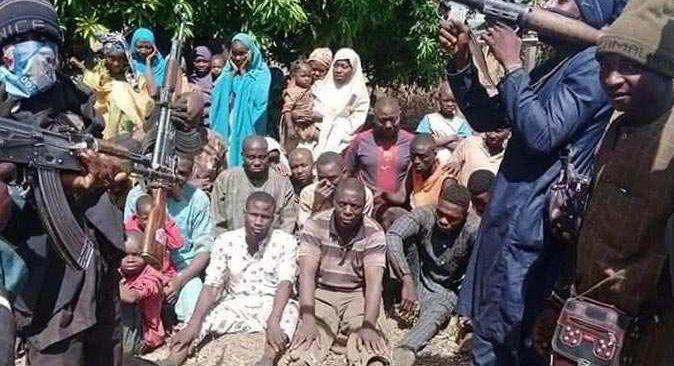 Nijerya'da yatılı okulu bastılar! Öğretmen ve öğrenciler kaçırıldı