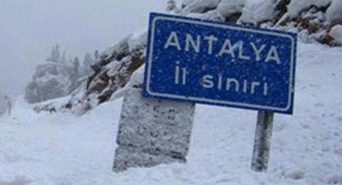 Antalya'ya kar geliyor!
