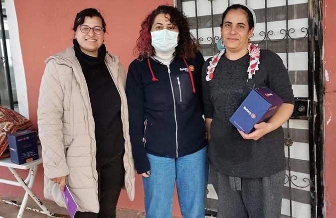 Rotary ve Rotaract kulüpleri 3500 adet hijyen paketi dağıttı