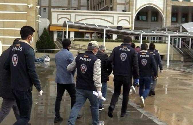 Antalya'da eş zamanlı operasyon! Aranan şahıslar yakalandı