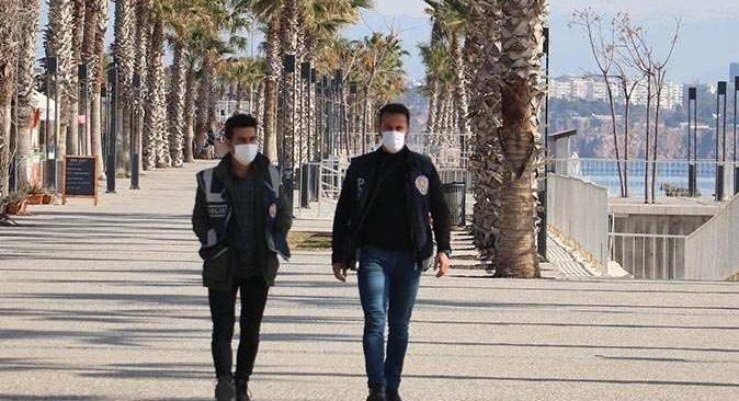 Antalya'da sokağa çıkana ceza yağdı