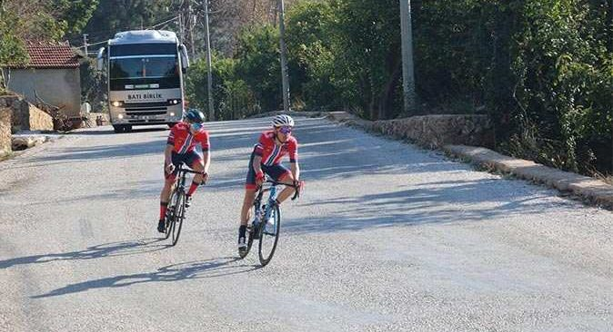 170 sporcu 148 kilometre pedal çevirdi
