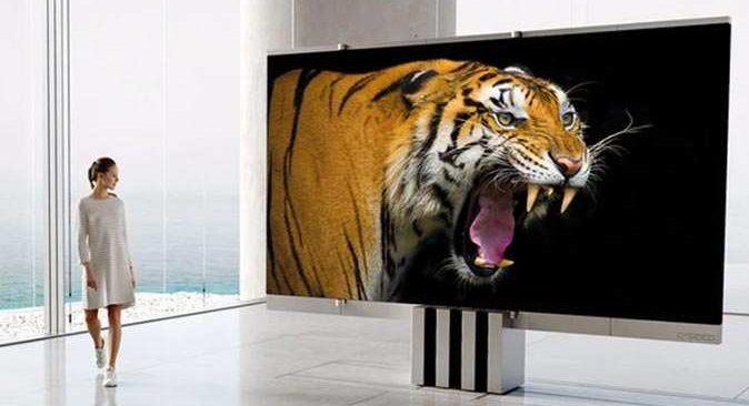 165 inçlik katlanabilir dev televizyon fiyatıyla dudak uçuklattı