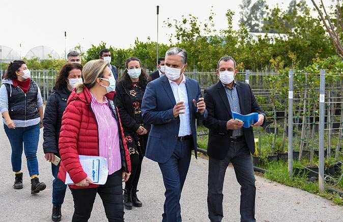 Başkan Uysal bitki üretim tesisini ziyaret etti