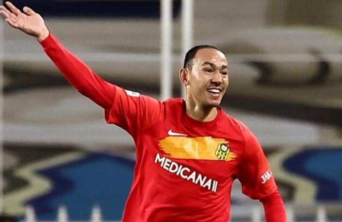 Umut Bulut 504'üncü maçına çıkarak Süper Lig tarihine geçti