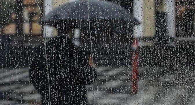 Meteoroloji'den birçok il için sağanak yağış ve fırtına uyarısı
