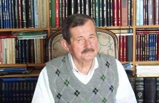 Ünlü yazar Erol Toy hayatını kaybetti