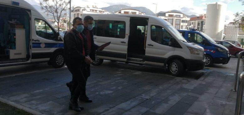 Alanya'da çeşitli suçlardan aranan 2 şüpheli yakalandı