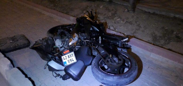 Konya'da motosiklet savruldu! Sürücü yaralandı