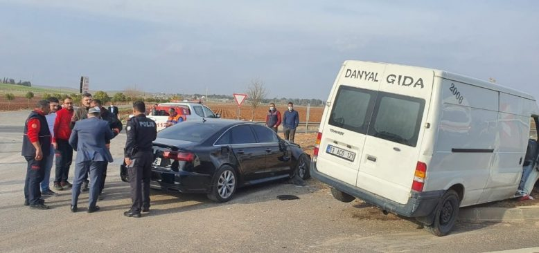 İYİ Parti konvoyunda korkutan kaza! Yaralılar var...
