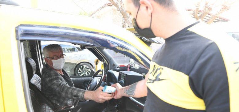 Konyaaltı'nda taksi ve duraklara korona denetimi