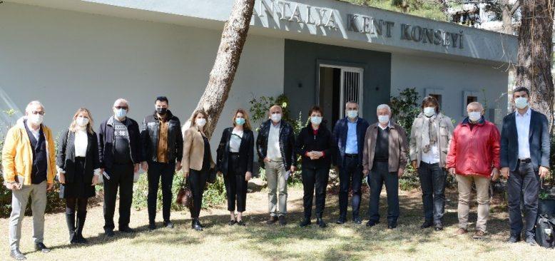 Antalya Kent Konseyi'nde yoğun gündem...