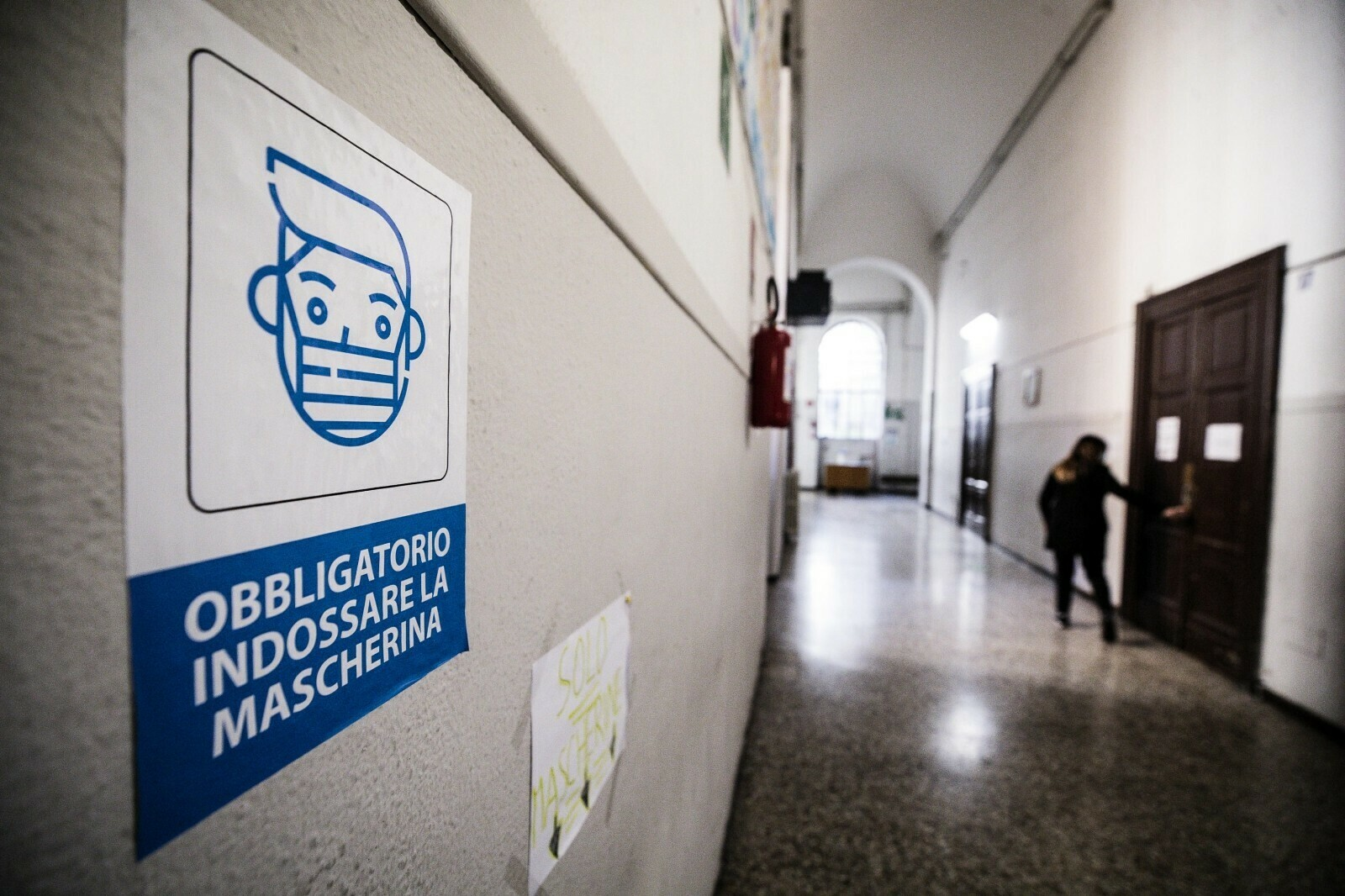 İtalya'da koronavirüs 417 can daha aldı