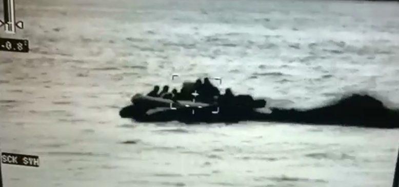 Silifke açıklarında 12 göçmen yakalandı