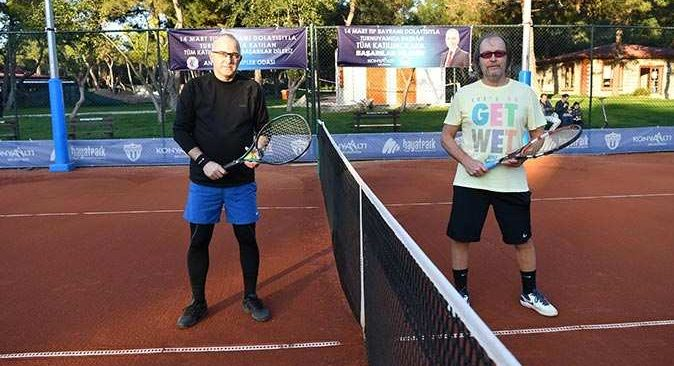 Antalyalı doktorlar tenis turnuvasında buluştu