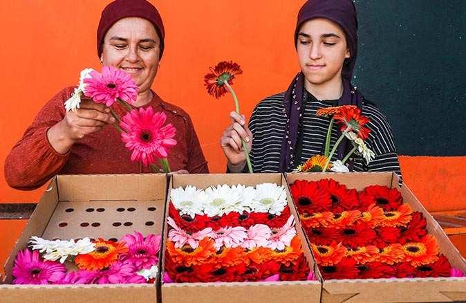 8 Mart'ın çiçekleri de emekçi kadınlardan