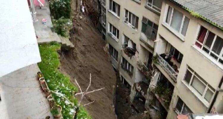 Bursa'da toprak kayması nedeniyle 60 daire tahliye edildi