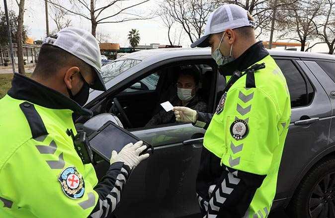 Bunu yapan sürücüler dikkat! Antalya Emniyet Müdürlüğü uyardı