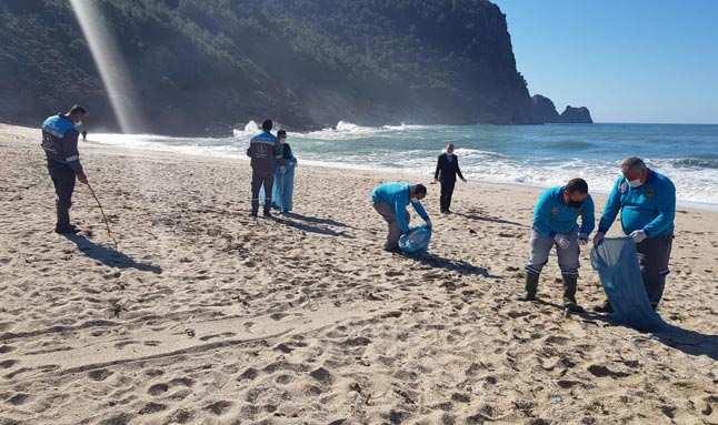 Alanya sahillerinde bahar temizliği
