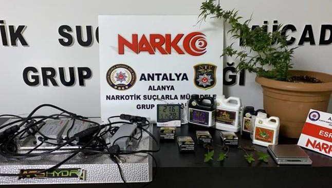 Antalya'da eş zamanlı uyuşturucu operasyonu