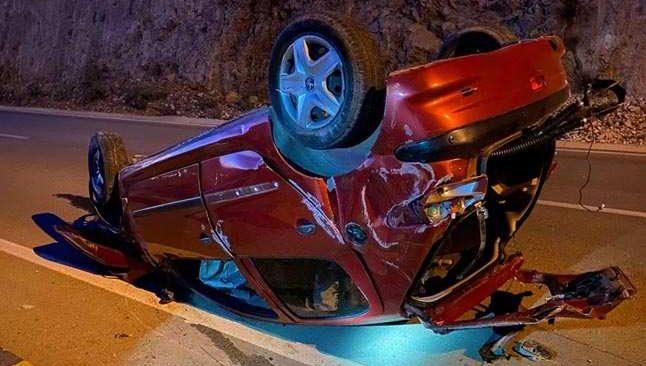 Antalya'da kayalıklara çarptı! Kadın sürücü hayatını kaybetti