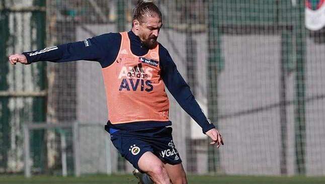 Fenerbahçe'de Caner Erkin idmana çıktı