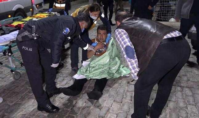 Antalya'da denize düşen vatandaş, ortalığı karıştırdı