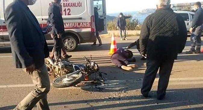 Kaş'ta kamyonetle motosiklet çarpıştı! Sürücü yola savruldu