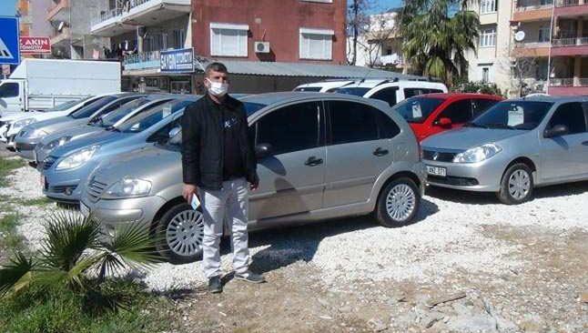 Antalya'da ilginç hırsızlık! Otomobili çalamayınca bakın ne yaptılar....