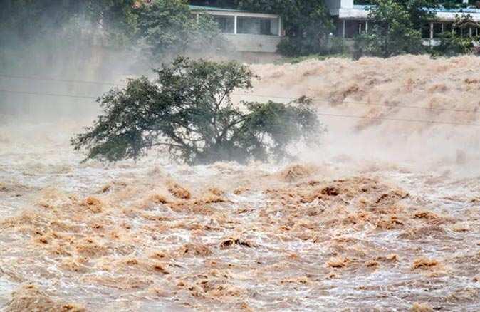 ABD'de sel ve fırtına felaketi! 4 kişi hayatını kaybetti