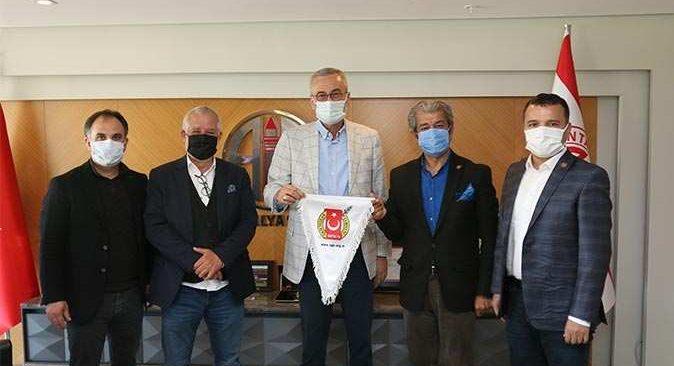 AGC Başkanı Mevlüt Yeni'den Antalyaspor Başkanı Mustafa Yılmaz'a ziyaret