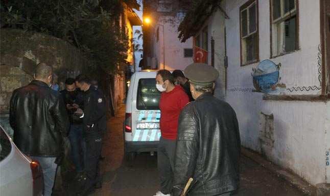 Antalya'da ziyarete gittiği arkadaşını evinde ölü buldu