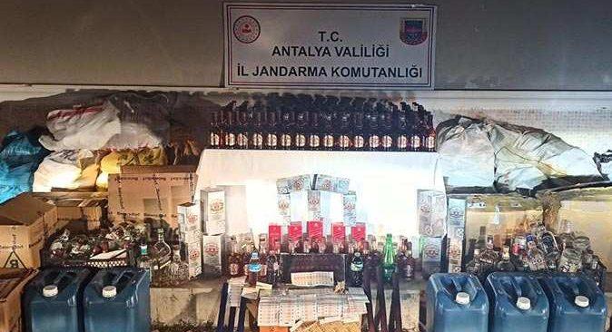 Antalya'da oto yıkamacıya baskın! Suçüstü yakalandılar