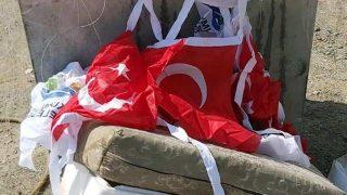 Antalya'da çöpte bulunan bayraklar büyük tepki çekti