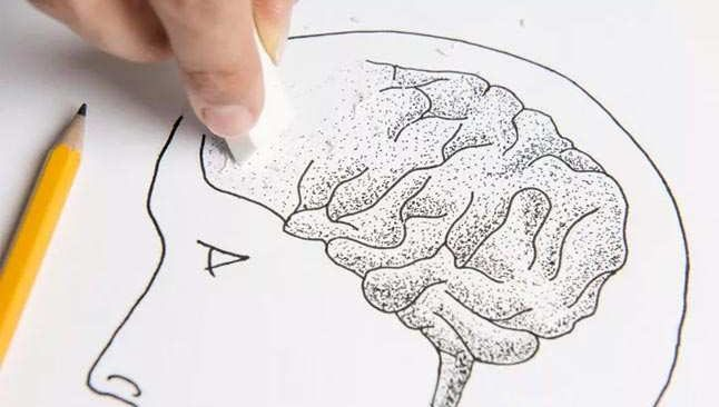 Hangi hastalıklar beyninizi yaşlandırıyor!