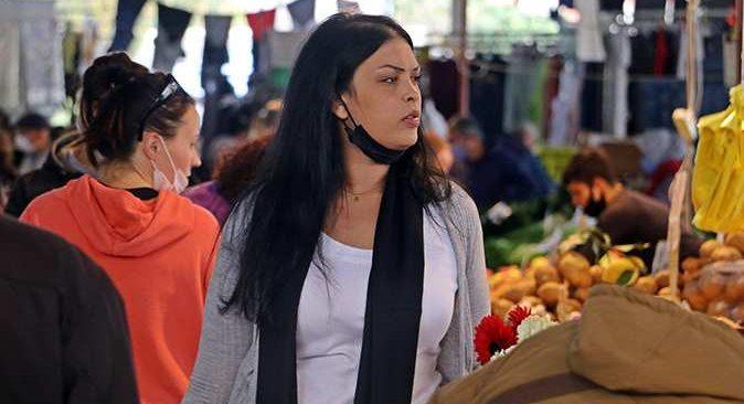 Yüksek riskli Antalya semt pazarında maske takmayanlar tedirgin etti