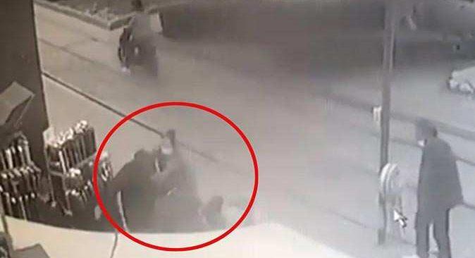 Antalya'da yol ortasında darp etti! Yoldan geçen kadın müdahale etti