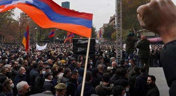 Ermenistan muhalefeti tekrar sokakta!