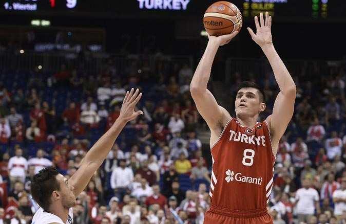 Milli basketbolcu Ersan İlyasova Utah Jazz ile anlaştı