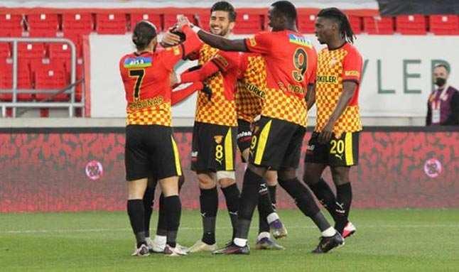 Göztepe, sahasında BB Erzurumspor'u mağlup etti