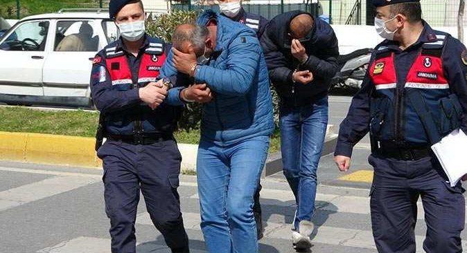 Antalya'da yakalandılar, hem yasak ihlali hem maske cezası yediler
