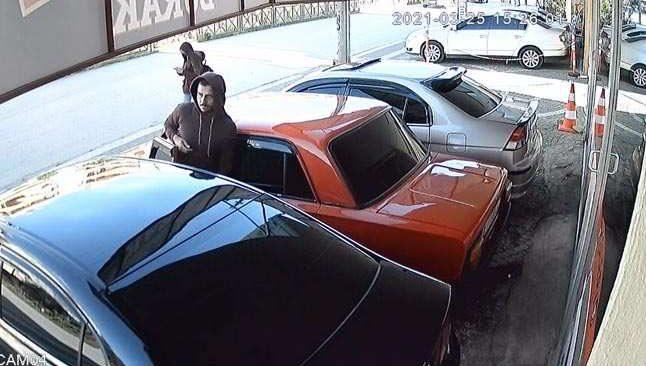Antalya'da hırsızın tavırları herkesi şaşırttı