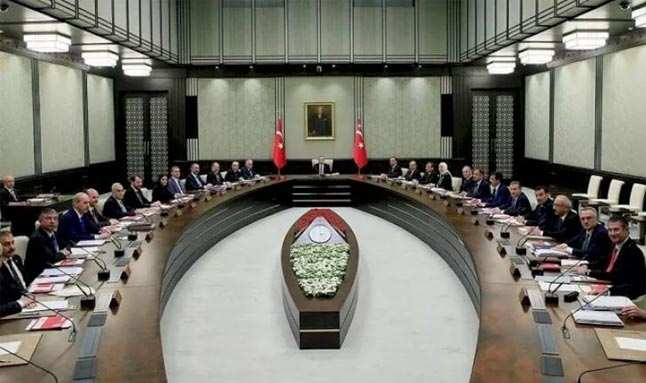 Ankara'da hareketli dakikalar! Peki hangi bakanlıklar değişecek...