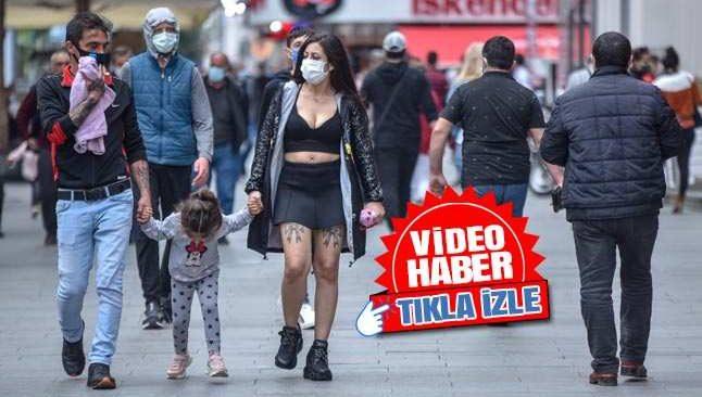 Uyarılara rağmen Antalya'da korkutan kalabalık