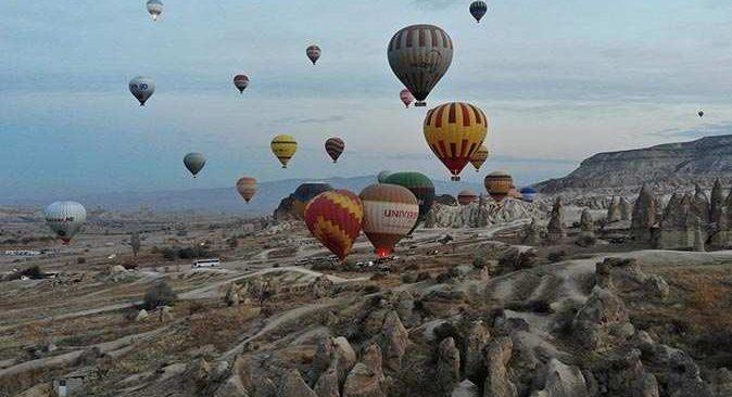 Kötü hava koşulları Kapadokya'da balon turları iptal ettirdi