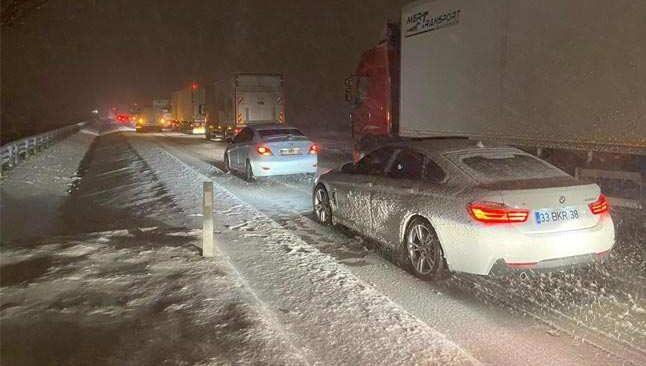 Bu yolu kullanacaklar dikkat! Afyonkarahisar-Antalya karayolu ulaşıma kapandı