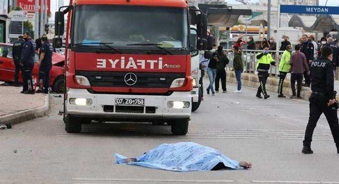Antalya'da makas atan sürücü dehşeti yaşattı! Ölü ve yaralılar var